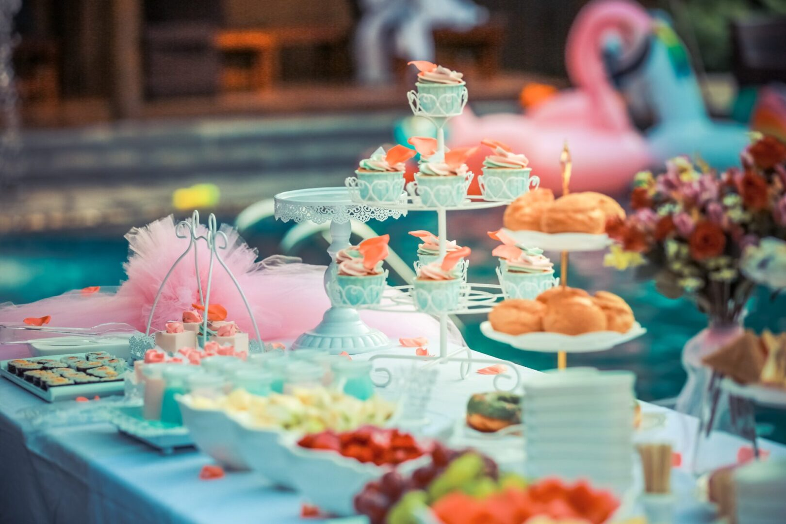 colorful-colourful-cupcakes-decoration-587739
